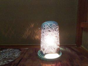 やす波窯の手作り陶器ランプシェード